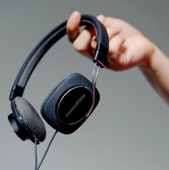 New research has found that listening to uplifting music can boost mental alertness and concentration