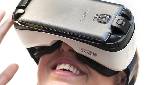 Samsung Gear VR headset has been launched in the UK and costs £80