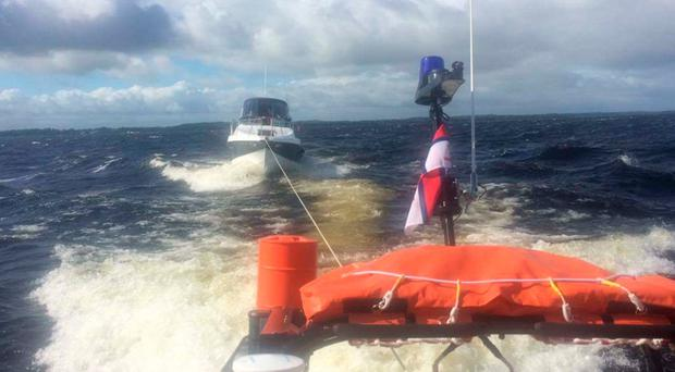 Lough Ree RNLI rescues the boat that foundered