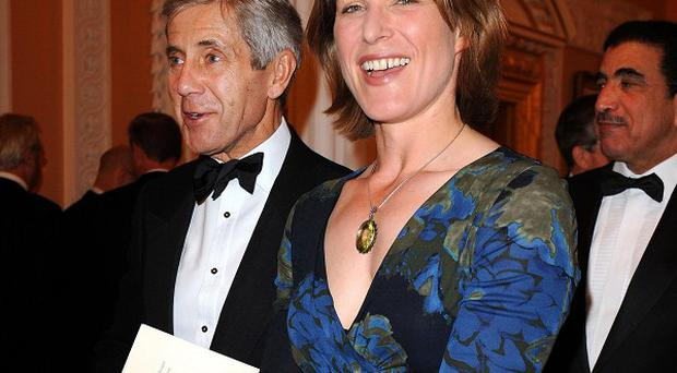 BBC economics editor Stephanie Flanders is leaving the corporation to take a job with JP Morgan.