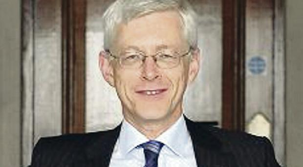 Martin Weale dissented from the majority view of seven other members, including governor Mark Carney, that rates should be kept on hold