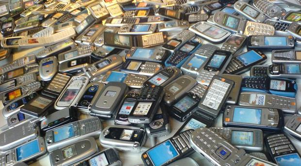 Old mobile phones can be traded in for income