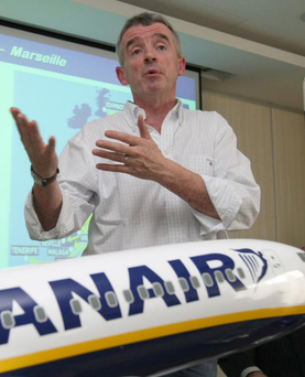 Ryanair boss Michael O'Leary has urged British voters to remain in the EU