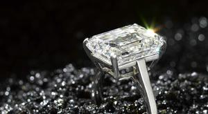 The top-level shake-up comes after De Beers attempted to jump start the diamond market by cutting output last year