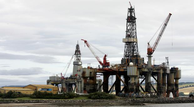 A summit on the oil industry is to be hosted by Aberdeen City Council
