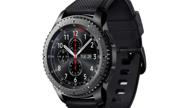 Samsung's new Gear S3 in the frontier style, one of two new versions of its Gear smartwatch (Samsung/PA)