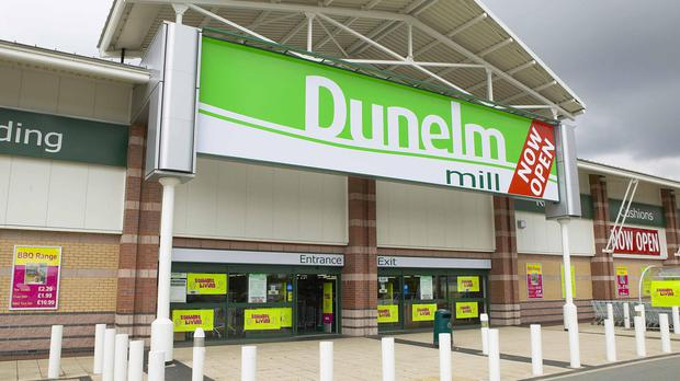 Like-for-like sales at Dunelm stores plummeted 5.1% in the 13 weeks to October 1