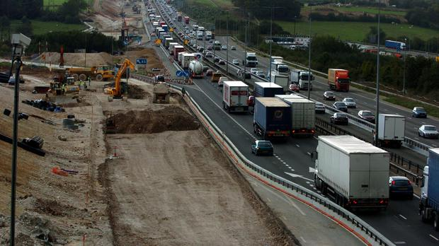 Cancelled and delayed infrastructure projects are costing the UK economy £48,000 a minute, a report warns