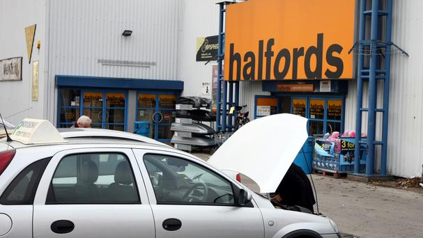 Halfords plans to train one mechanic at each of its 300 centres in electric and hybrid maintenance