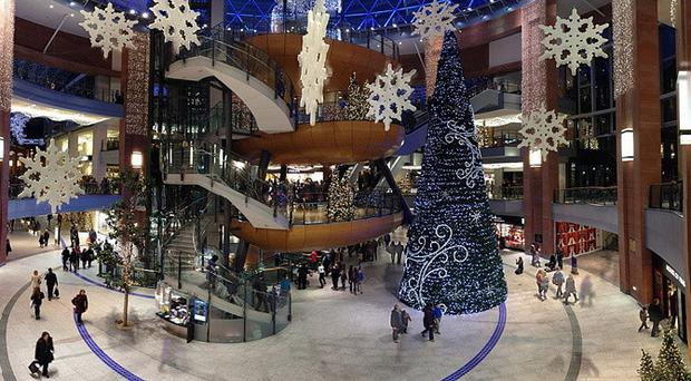Shopping destinations in Northern Ireland such as Victoria Square in Belfast are expecting a busy Christmas, thanks to the fall in sterling