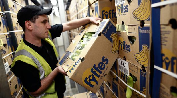 Fyffes' acquisition by Japanese firm Sumitomo has been given clearance by the European Commission