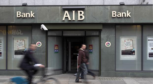 A quarter of Allied Irish Banks is to be sold off by the Irish Government