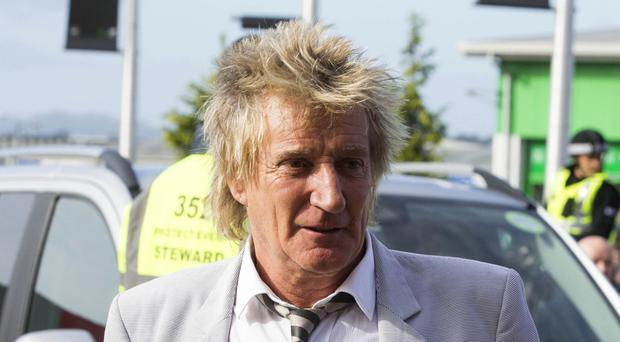 Sir Rod Stewart is to play this year's Isle of Wight Festival
