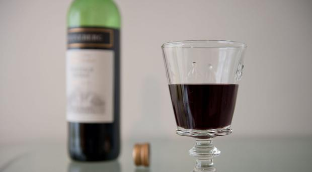 English wine only accounts for 1% of UK sales, said accountancy group UHY Hacker Young