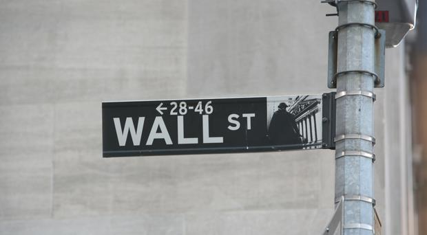 Markets Right Now: Banks lead US indexes slightly lower