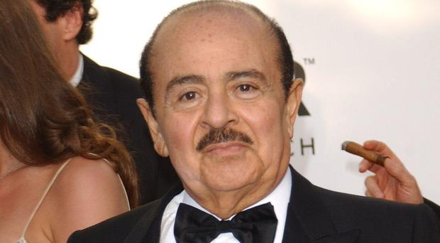 Arms dealer Adnan Khashoggi, who had suffered from Parkinson's Disease, has died aged 82