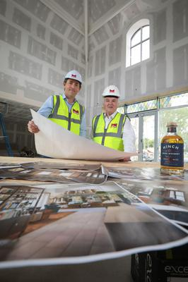 Mark O'Connor of Marcon (left) with Dr Terry Cross, owner of Hinch Distllery