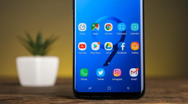 Screen time: the new Samsung S9 Plus Pros