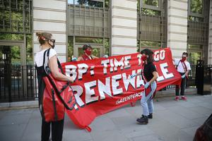 Greenpeace protesters called on rapid change from BP. (Suzanne Plunkett/Greenpeace)