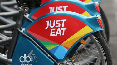 Just Eat Food Fight With Uber And Deliveroo To Take Chunk