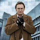 Star: Philip Glenister