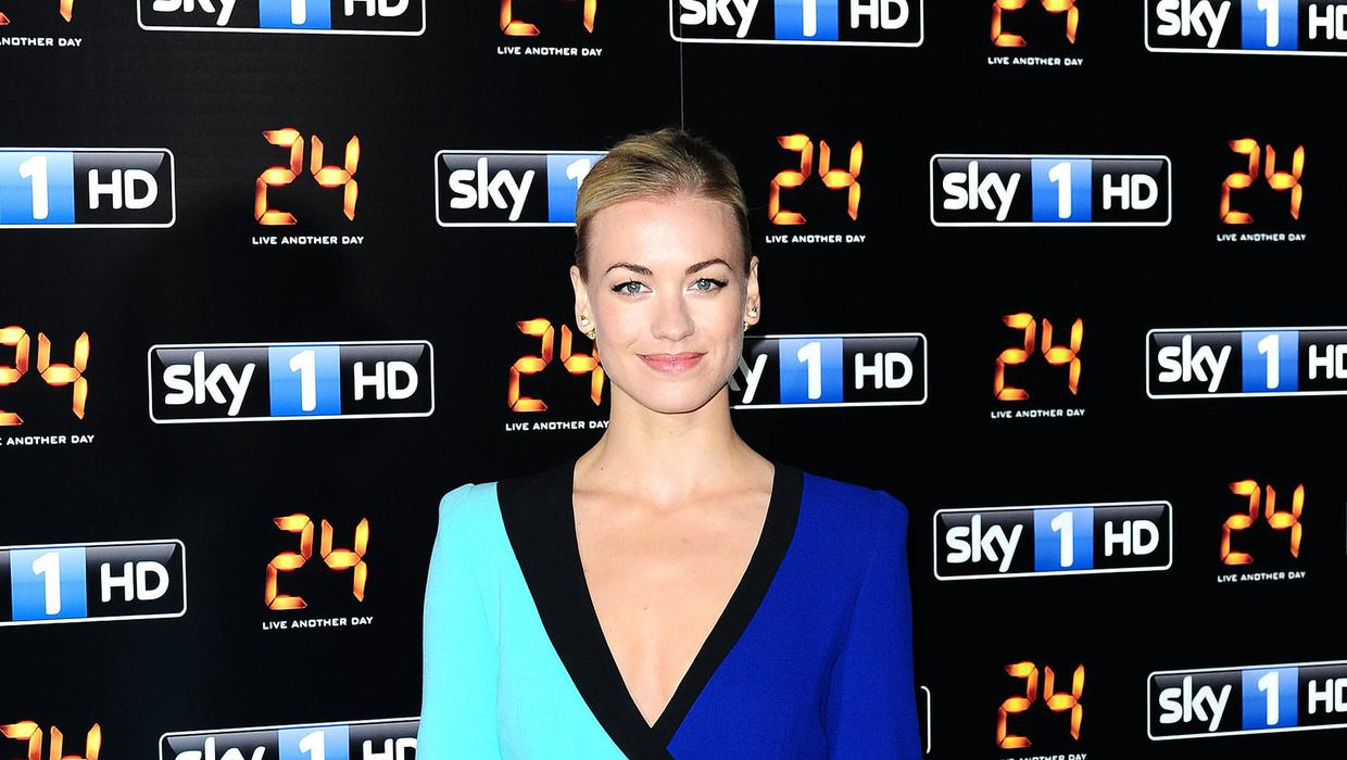The Handmaid S Tale Star Yvonne Strahovski Excited About Becoming A Mother Belfasttelegraph Co Uk 富士山と忍野村(山梨) mount fuji and oshino village in. tale star yvonne strahovski excited