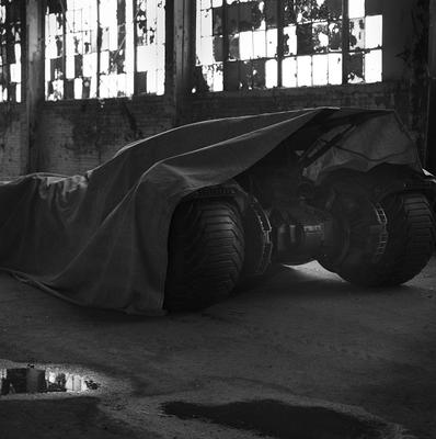 Man Of Steel director Zack Snyder shared a photo of the new Batmobile on Twitter