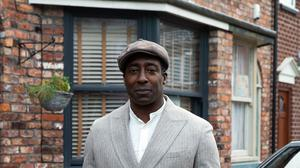 Coronation Street features new character Ronnie Bailey, played by Vinta Morgan (ITV)