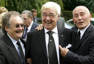 Frank Carson shares a joke at the funeral of Bernard Manning in Manchester in 2007 (Gareth Copley/PA)