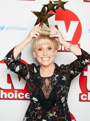 Dame Barbara Windsor with her Outstanding Contribution to Television Award at the TV Choice Awards 2016 (Nicky Johnston/PA)
