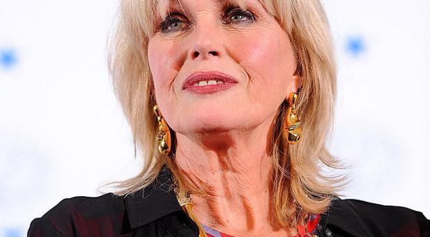 Screen star Joanna Lumley says she would love to be given the chance to be a Bond girl once again
