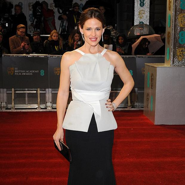 Jennifer Garner is being lined up for a role in Draft Day
