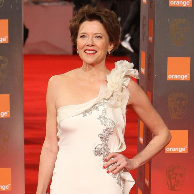 Annette Bening is in talks to star opposite Al Pacino in Imagine