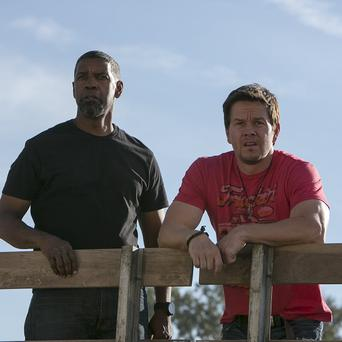 Denzel Washington and Mark Wahlberg star in 2 Guns
