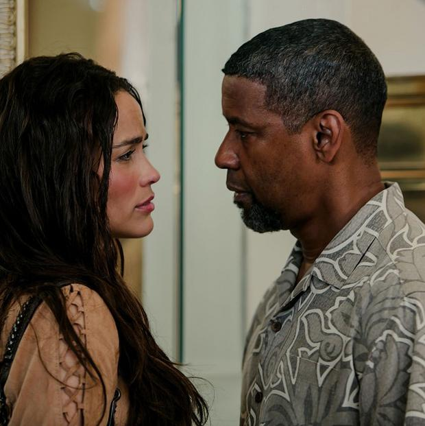 Paula Patton stars alongside Denzel Washington in 2 Guns