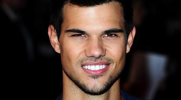Taylor Lautner will take part in a live reading of Boogie Nights