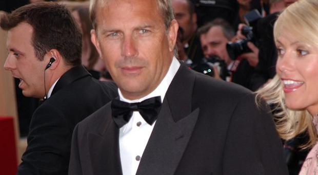 Kevin Costner is to star in the movie Midnight Delivery