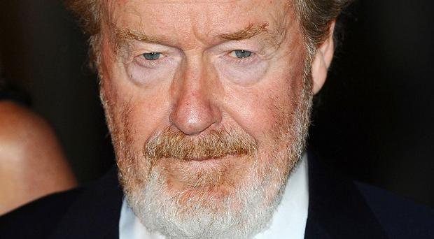 Ridley Scott is in talks to direct The Martian