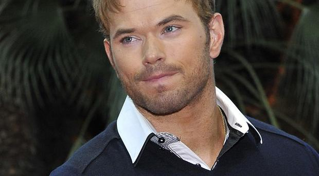 Kellan Lutz worked out with Sylvester Stallone on The Expendables 3 set
