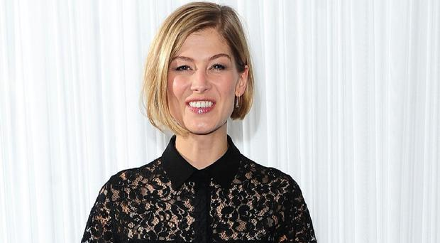 Rosamund Pike is in talks to star in The Mountain Between Us