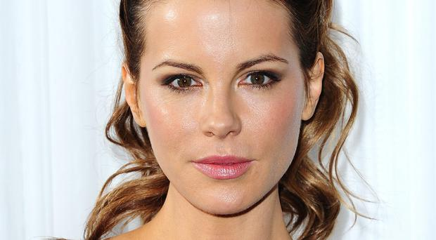 Kate Beckinsale will reveal the Golden Globe 2015 nominees
