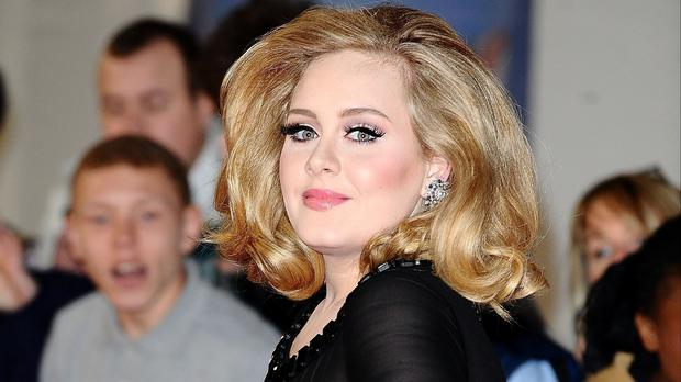Adele takes her new album 25 on tour in 2016