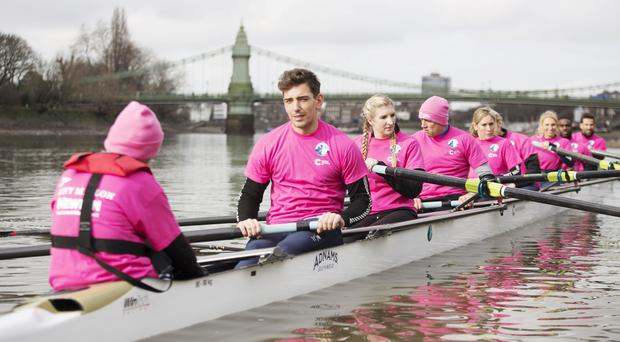 Handout photo dated 16/02/17 issued by Cancer Research UK of Team Cracknell (left-right) James Fox, Rebecca Adlington, Vernon Kay, Sophie Raworth, Andrew Triggs-Hodge, Emma Spruce, Ore Oduba and Gethin Jones on the River Thames during a training session for the Cancer Research UK Celebrity Boat Race.