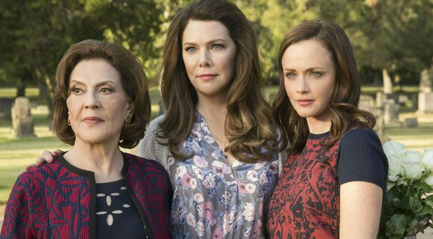 more gilmore girls episodes a possibility says show s creator. Black Bedroom Furniture Sets. Home Design Ideas