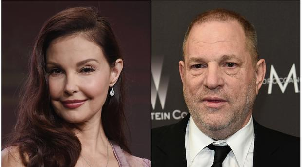 Judd claims Weinstein sexually harassed her