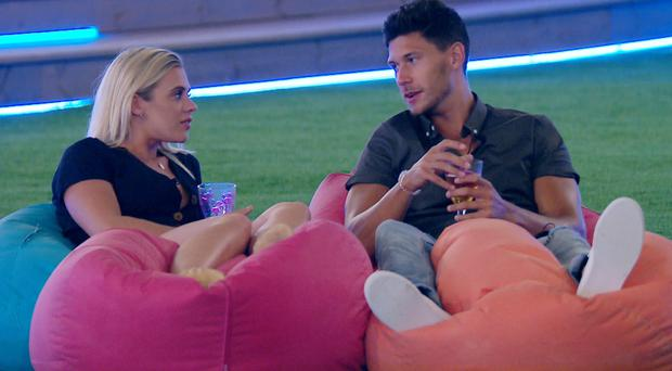 Jack kisses new girl Laura in Love Island (ITV)