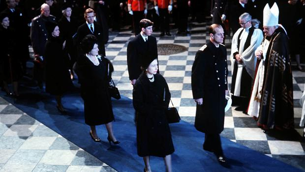 The Queen and the Duke of Edinburgh lead mourners inside St Paul's Cathedral during the funeral service for Sir Winston Churchill (PA)