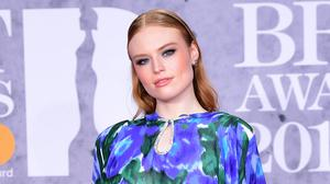 Singer-songwriter Freya Ridings has revealed she lost 10 stone thanks to the help of hypnotherapist Paul McKenna (Ian West/PA)