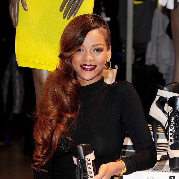 Rihanna had to pull out of a US show because of laryngitis