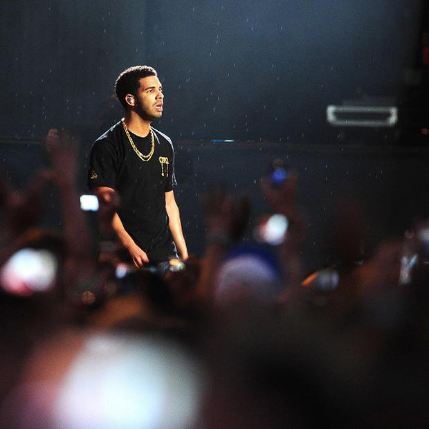 Drake showered the dancefloor with money at a nightclub in North Carolina
